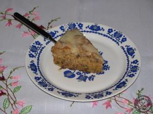 Κέικ καρότου με ξηρούς καρπούς και επικάλυψη λευκή σοκολάτα (1)