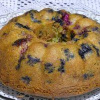 Κέικ με μύρτιλλα και σμέουρα