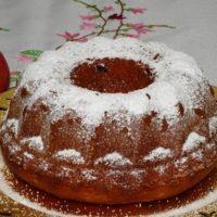 Κέικ με σάλτσα μήλου και ξηρούς καρπούς
