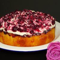 Κέικ με μύρτιλλα, λεμόνι, θυμάρι και βουτυρόκρεμα