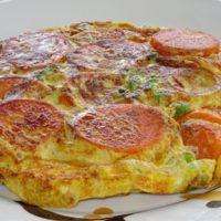 Ομελέτα με γλυκοπατάτες και αρακά