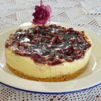 Cheesecake με λεμονόκρεμα και επικάλυψη μαρμελάδας από βατόμουρα