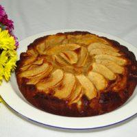 Κέικ με μήλα μέλι και τζίτζερ