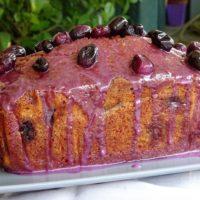Κέικ με αμύγδαλα και σταφύλια